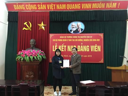 Lễ Kết nạp đảng viên của Chi bộ Phòng Quản lý Đào tạo, bồi dưỡng, nghiên cứu khoa học
