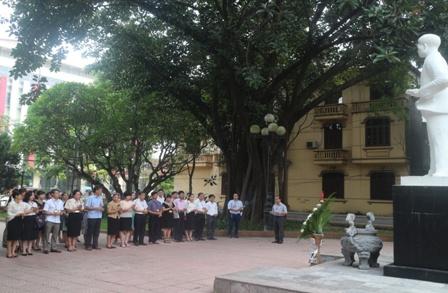 Trường Chính trị Nguyễn Văn Cừ tổ chức dâng hương   nhân kỷ niệm ngày sinh Tổng Bí thư Nguyễn Văn Cừ