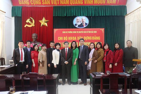 Chi bộ Khoa Xây dựng Đảng tổ chức thành công Đại hội, nhiệm kỳ 2020 - 2022